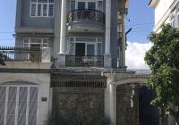 Do không còn nhu cầu ở bán gấp căn biệt thự 11x18m, mặt tiền đường 24m liên hệ ngay 0938625163