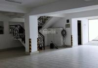 Cho thuê villa P. Thảo Điền, Quận 2, DT 10x20m, hầm trệt 2 lầu khu an ninh, an toàn, dân trí cao