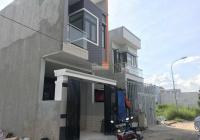 Chính chủ bán nhà 2 tấm, 3PN, sân ô tô, 89m2, thổ cư 100%, sổ riêng, nhà mới 100%, LH Vân