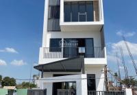 Kẹt tiền ngân hàng nên gia đình cần bán 1 căn nhà phố 100m2 XD 1 trệt 2 lầu giá 6.9tỷ đường 20m