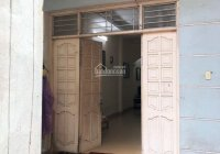 Cho thuê nhà 2,5 tầng (ở theo hộ gia đình) tại phố Cảm Hội, quận Hai Bà Trưng, Hà Nội