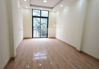 Cho thuê nhà phân lô Phạm Tuấn Tài, 100m2 * 5 tầng, đủ điều hòa, nhà mới. Giá thuê 18tr/tháng