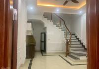 Chính chủ bán gấp nhà 5 tầng 30m2 gần chợ Lâm Du, P. Bồ Đề, Q. Long Biên, HN, giá 3,2tỷ