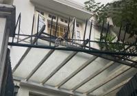 Chính chủ bán nhà biệt thự 4 tầng mặt hồ trong làng Ngọc Hà, quận Ba Đình, Hà Nội. LH 0985945959