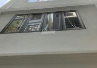 Cho thuê nhà ngõ ô tô tránh nhau đường Trần Quốc Hoàn, 100m2 * 5 tầng, căn góc, 20tr/tháng