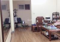 Bán căn hộ tập thể tầng 3 DT 80m2, 3 ngủ 2wc đủ đồ đã sửa ngõ ô tô phố Hoàng Ngọc Phách 2,08 tỷ TL