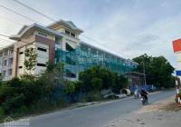 Bán đất sát bên trường học, xây biệt thự hoặc tách thửa rất đẹp