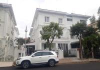 Tôi cần bán gấp căn nhà phố Mỹ Thái 3 với 140m2 mặt tiền đường rông 20m. Tặng lại toàn bộ nội thất