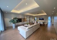 Chính chủ cần bán Penthouse Sky Garden 3 300m2 4PN 2 sân, giá: 9 tỷ. Liên hệ 0909.740.191 Ms Hà