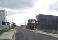 Kẹt tiền làm ăn vợ chồng tôi cần bán lỗ lô đất 100m2 KDC Tân Kim, SHR 750 triệu. LH 0931231391