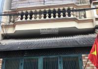 Cho thuê nhà ngõ Phạm Tuấn Tài, ngõ ô tô đỗ cửa, DT 45m2 x 4T, MT 4m, có sân, đầy đủ tiện nghi