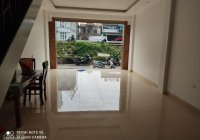 Cho thuê nhà mặt phố Võ Chí Công, diện tích 50m2 mặt tiền 4m rất phù hợp kinh doanh giá 20tr/tháng