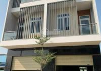 Bán nhà phố mặt tiền đường lớn trung tâm Long Thành, thanh toán 1,3 tỷ nhận nhà, LH: 0934.143.861