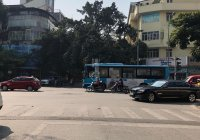 Cho thuê nhà mặt phố Đường Thành, 120m2x4T, MT 5m, giá thuê 150 triệu/tháng. Kinh doanh mọi mô hình