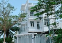 Cho thuê căn góc 2 mặt tiền đối diện CC Terra Rosa đường 25m nhà 1 trệt, 3 lầu giá 30tr/tháng