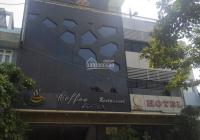 Bán khách sạn 50 phòng mới toanh, đã có giấy phép kinh doanh karaoke và spa 428m2, giảm giá 50tỷ