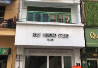 Cho thuê nhà MP Trần Khát Chân: 70m2 x 6 tầng, MT: 5m, nhà khá mới, chia 2phòng, rb. LH: 0974557067
