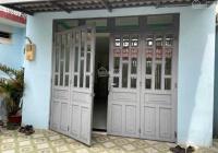 Kẹt tiền bán gấp nhà Nam Hòa, hẻm 3 gác, 119m2, cấp 4, có 5PN 4WC, LH: 090.852.7373