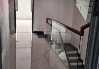 Kẹt tiền bán gấp nhà phố 1 trệt 3 lầu KDC Five Star 2 DT 108m2, giá 3 tỷ 8 SHR. LH 0704594237 Hoàng