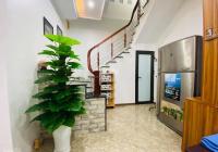 Bán nhà phố Văn Cao - view hồ Tây - nhà đẹp lung linh dt 40m2, chào 3,8 tỷ