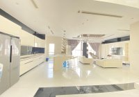 Bán Sunrise City căn 1PN full nội thất view đông, giá cực tốt 2.6 tỷ DT 56m2, ĐT 0777777284