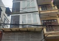 Cho thuê nhà ngõ 1 phố Phạm Tuấn Tài. Diện tích 42m2 x 5 tầng có nội thất, ô tô đậu cửa