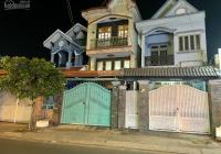 Cần bán gấp nhà mặt tiền đường 11, Linh Xuân, Thủ Đức, kết cấu rất chắc chắn, sân rộng để xe