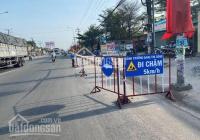Cần bán gấp lô đất mặt tiền DT743 gần ngay chợ Phú Phong