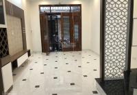 Chính chủ bán nhà mới ngõ 203 Trường Chinh, cách mặt phố đúng 10m, có sân cổng. 35m2x5t giá 3,99 tỷ