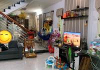 Chính chủ bán nhà 2 tầng kiệt thẳng Đinh Tiên Hoàng. DT lớn gần đường, gần chợ