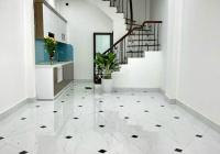 Bán nhà tại ngõ 10 phố Tôn thất Tùng, Quận Đống Đa. DT33m2 x 5 tầng, gần ngõ thông, giá 3.8 tỷ