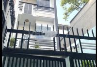 Nhà có sân để xe 5PN - cách MT chỉ 1 nhà, Phường 1, Q10. Giá 17 triệu/th