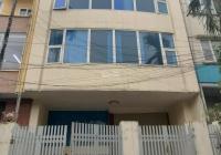 Cho thuê nhà Phạm Văn Đồng DT 112m2x5 tầng mặt tiền 5m giá 32 triệu/th. Làm VP, đào tạo, dạy tiếng