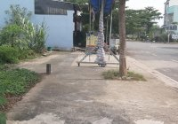 Bán đất khu tái định cư ngay chợ Hưng Long Bình Chánh DT: 100m2 giá: 1tỷ300tr. LH: 0907 890 542