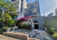 Cho thuê villa sân vườn full nội thất Q7