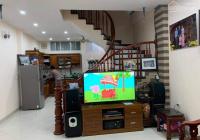 Bán gấp nhà 3 tầng ngõ phố Nguyễn Văn Cừ, Long Biên, LH 0974374578