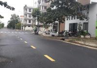 Mẹ Thứ đường 10m5 cạnh ngã 4 giao với Đô Đốc Lộc gần sân vận động Hòa Xuân