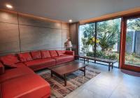 Cho thuê villa Nam Việt Á, gần sông 4PN nội thất cao cấp, sân vườn, phòng karaoke