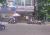 Cho thuê nhà MP Nguyễn Khánh Toàn, DT 102m2 * 2T, MT 8m, giá 80tr/tháng