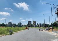 Bán 2 nền đất gần chợ Bà Hom ngay công viên, đường 20m. Sổ hồng có sẵn
