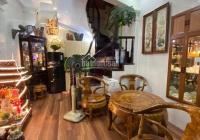 Cho thuê nhà ở phố Hoa Lư 30m2 x 6 tầng, full nội thất đẹp, 15 triệu/th, chia 4 phòng ngủ