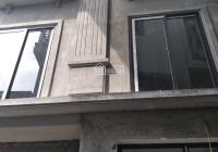 Hot, nhà Đông La 36m2, 3 tầng, ngõ 3.5m ô tô đỗ cửa bán 1tỷ45, LH Ms Tường 0907290666