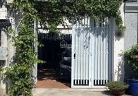 Cho thuê nhà nhỏ nhỏ xinh xinh có vườn nho trước nhà 1 trệt 1 lầu, ngang 4m dài 20m giá thuê 15tr