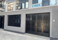 Cho thuê nhà mới xây dựng TT Q.1, vị trí góc hẻm 6m cách mặt tiền 25 m, tiện làm showrom, cty