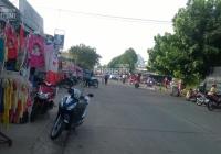 Bán lô góc ngay chợ Chiều 175m2 (7x25) sổ hồng, đường đẹp, có GPXD, đông dân. 1tỷ450tr