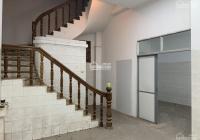 Cho thuê nhà mặt phố Trần Khát Chân: Diện tích 70m2 x 6 tầng, mặt tiền 4.5m, nở hậu. Nhà đẹp KD tốt