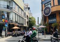 Bán nhà đẹp mặt tiền đường Nguyễn Hữu Cầu, Quận 1.