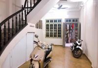 Cho thuê nhà nguyên căn Nguyễn Lân, 4T 40m2, vừa ở vừa kinh doanh, ô tô đậu cửa. LH: 0868938911