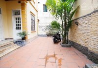 Cho thuê nhà phố Tây Hồ, Phường Quảng An HN, 23tr500/th. LH 0976085989
