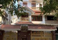 Cho thuê biệt thự tại KĐT Trung Hòa Nhân Chính, DT 300m2, XD 150m2 * 3,5T có sân vườn. Giá 65tr